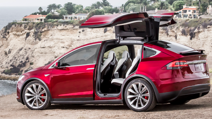 20 Glaring Problems With Teslas Everyone Just Ignores | HotCars