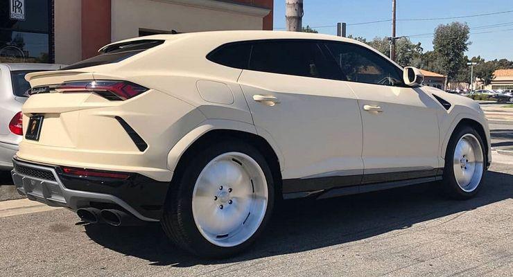 15 Sick Pics Of Custom Lamborghini Urus Hotcars