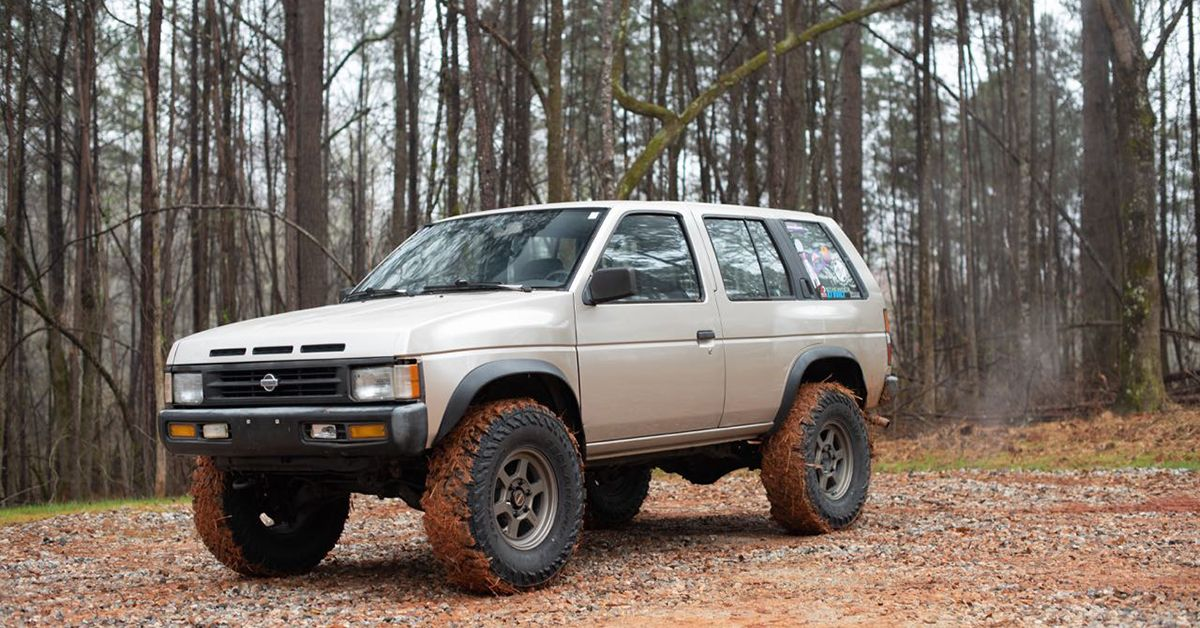 The First Generation Nissan Pathfinder Is A Cheap And Reliable Off Roader