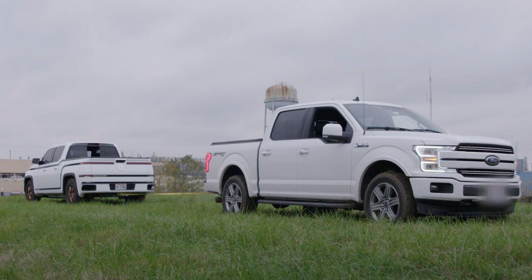Lordstown Endurance Pickup Truck Drags A Ford F-150 Away As It Struggles For Grip