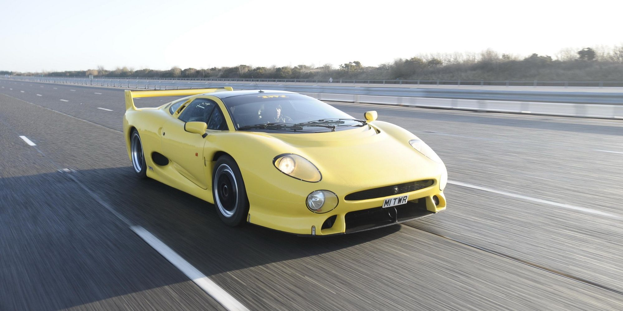 10 Cool Facts Everyone Forgot About The Jaguar XJ220