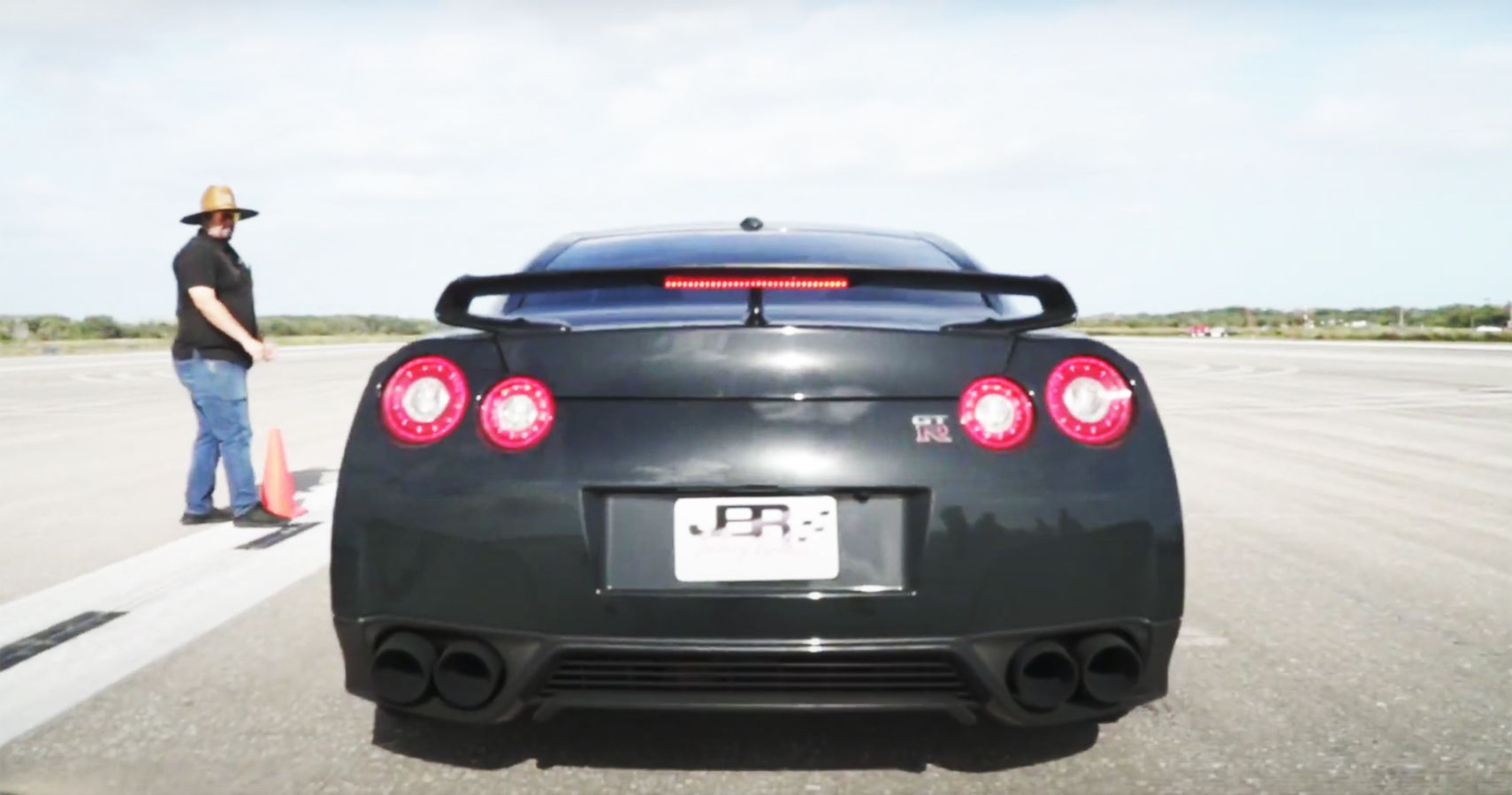 Witness Switzer's Upgraded Nissan GT-R Hit 165.7 MPH In Half-Mile Run