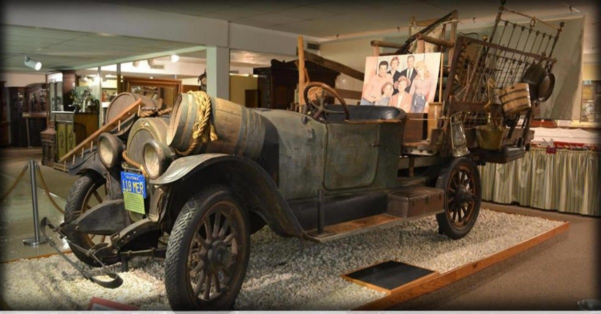 Looking Back At The 1921 Oldsmobile From The Beverly Hillbillies