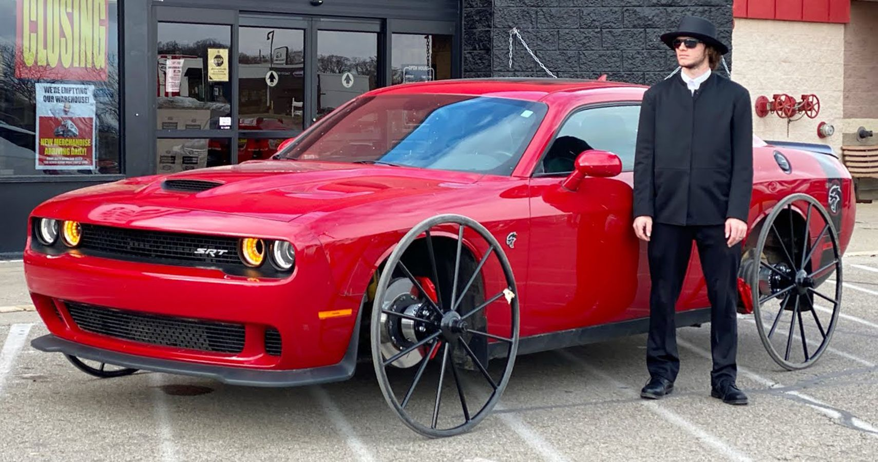 Watch This YouTuber Do Burnouts In His Buggy-Wheeled Dodge Challenger Hellcat
