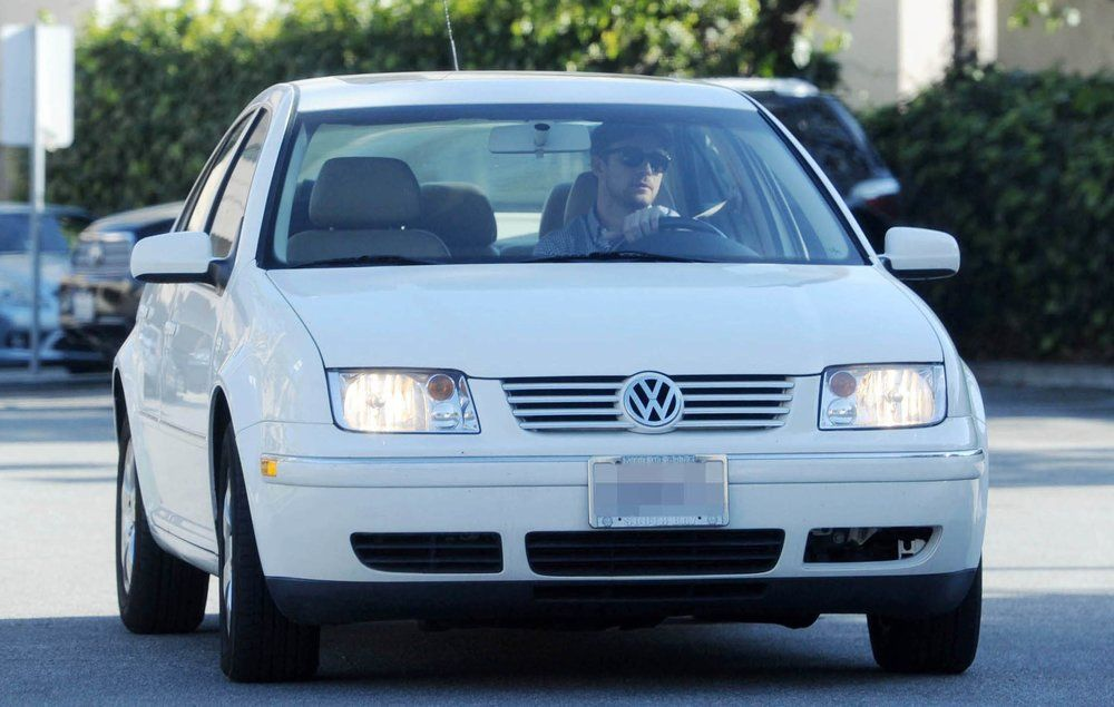 These Celebrities Are Loaded...But They Drive Complete Beaters