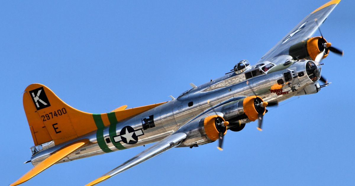 A Detailed Look Back At The Boeing B-17 Flying Fortress | HotCars